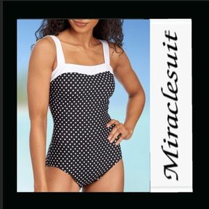 Miraclesuit black white swimsuit NWT 14